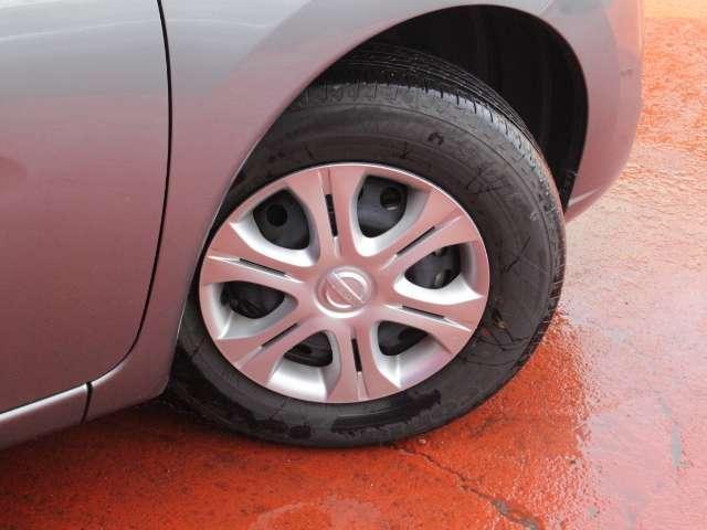 タイヤサイズは185/70R14
