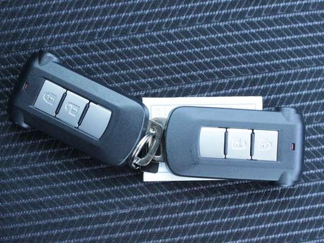持ってクルマに乗り込むだけでエンジンを始動できます★身につけておけば鍵を取り出す必要はありません♪