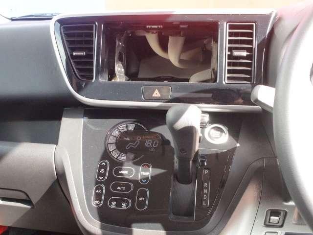 プッシュエンジンスターター、ブレーキを踏んでボタンを押すだけでエンジン始動