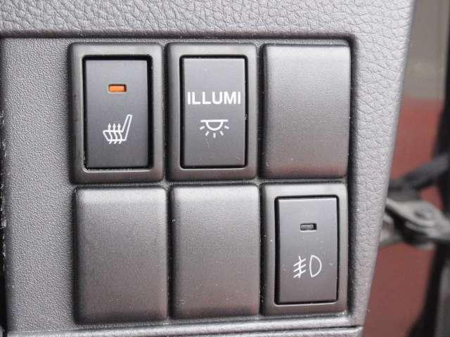 運転席、ヒーター付きシートで冬でもお尻ぽかぽか◎