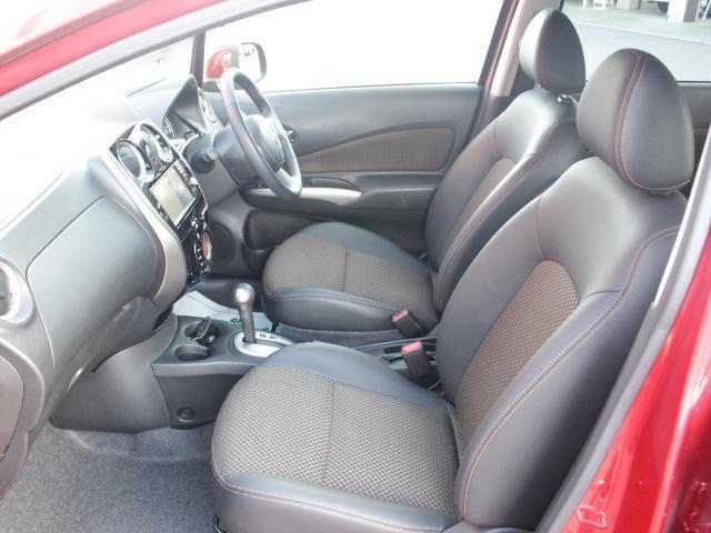 ★乗車する皆さんがリラックスできるような室内はクラストップレベル★快適なドライブへ★余裕を持って乗りたいですね★