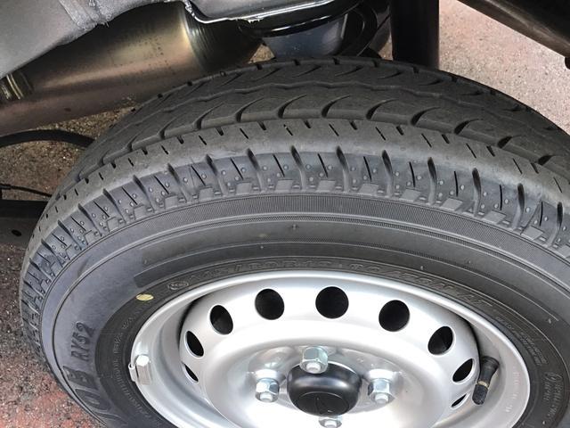 デラックスSAII 4WD オートマ LEDヘッドライト 4WD/4速AT/LEDヘッドライト/リヤコーナーセンサー(21枚目)