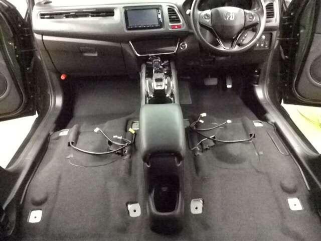 ホンダ ヴェゼル ハイブリッドX 4WD