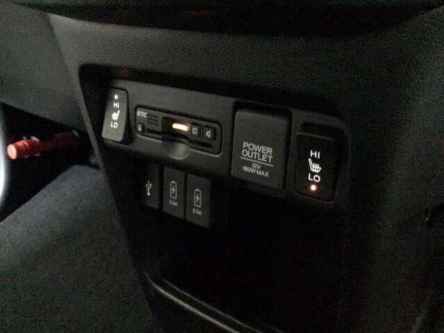 G・Lパッケージ メモリーナビ 4WD ETC クルコン リアカメラ シートヒーター スマートキー CD HID ABS DVD フルセグTV VSA アイドルSTOP(13枚目)