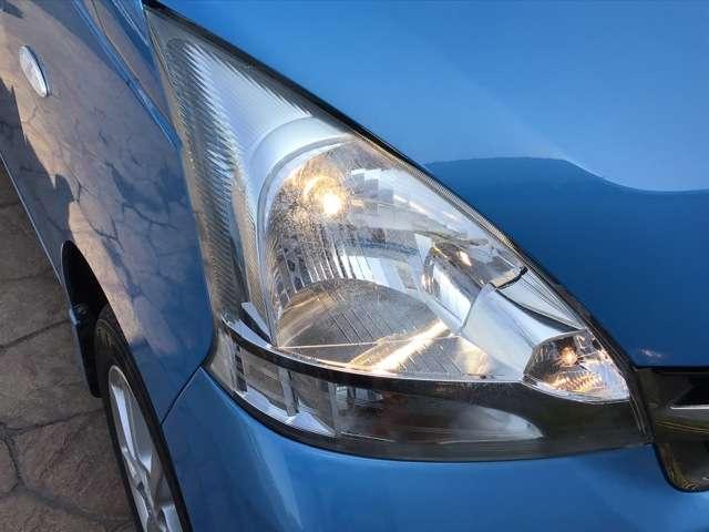 ハロゲンヘッドライト装備で夜間での視界をしっかり確保しています。安心・快適なドライブをゆっくりお楽しみ下さい
