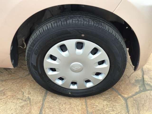 タイヤの溝も残っておりまだまだ交換を気にせずお乗りいただぇます。