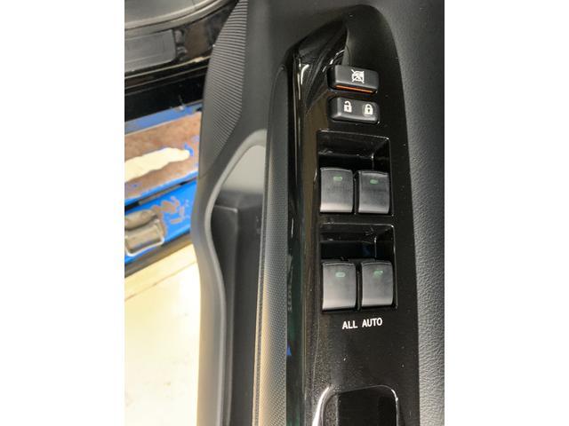 1.8Sモノトーン フルセグ メモリーナビ DVD再生 バックカメラ ETC HIDヘッドライト 乗車定員7人 3列シート ワンオーナー(22枚目)