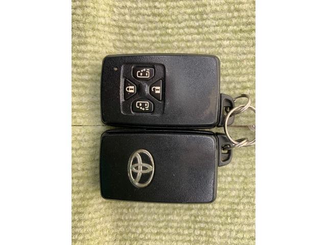 G 4WD フルセグ HDDナビ DVD再生 後席モニター バックカメラ ETC 両側電動スライド HIDヘッドライト 乗車定員7人 3列シート(25枚目)