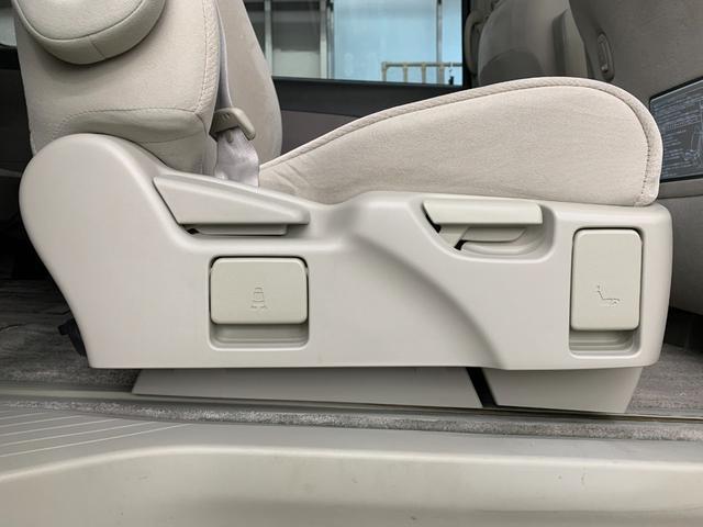 G 4WD フルセグ HDDナビ DVD再生 後席モニター バックカメラ ETC 両側電動スライド HIDヘッドライト 乗車定員7人 3列シート(36枚目)