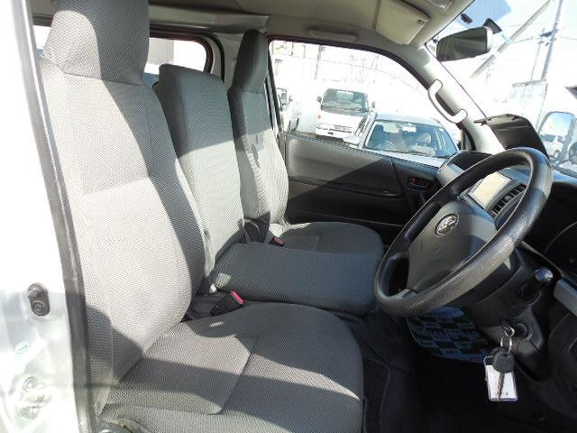 トヨタ レジアスエースバン 4ドアバン3.0ディーゼルT DXロング 4WD