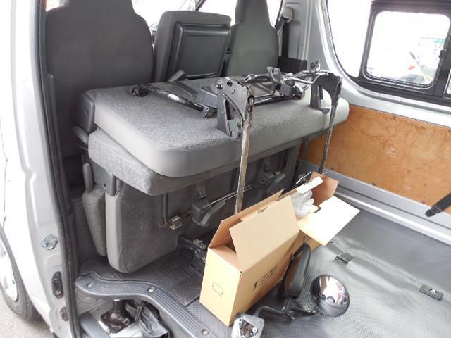 ロングDX 4D3.0ディーゼルターボ4WD寒冷地仕様3列シート9人乗りリアヒーター(15枚目)
