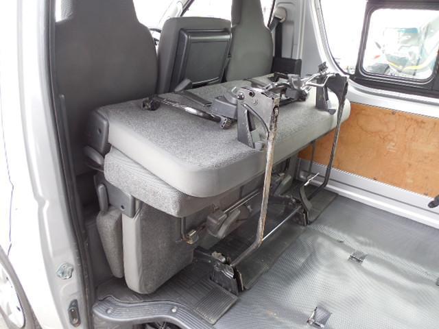 ロングDX 4D3.0ディーゼルターボ4WD寒冷地仕様3列シート9人乗りリアヒーター(17枚目)