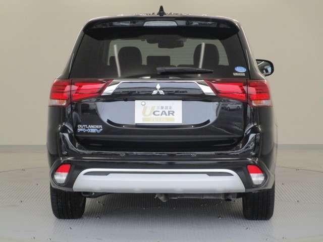Gプラスパッケージ 4WD/試乗車/駆動用バッテリー94.7%/電気温水式ヒーター/サンルーフ/純正8型スマホ連携ナビ/マルチアラウンドビュ/AC1500W/車両検知警報/パワーシート/三菱リモートコントロール/サポカー(13枚目)