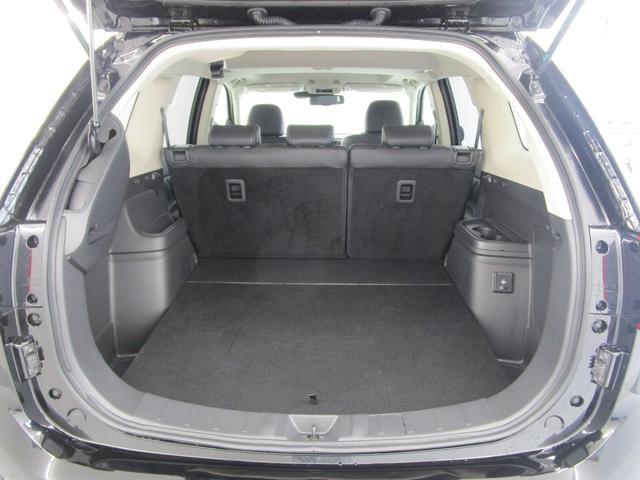 Gプラスパッケージ 4WD/試乗車/駆動用バッテリー94.7%/電気温水式ヒーター/サンルーフ/純正8型スマホ連携ナビ/マルチアラウンドビュ/AC1500W/車両検知警報/パワーシート/三菱リモートコントロール/サポカー(39枚目)