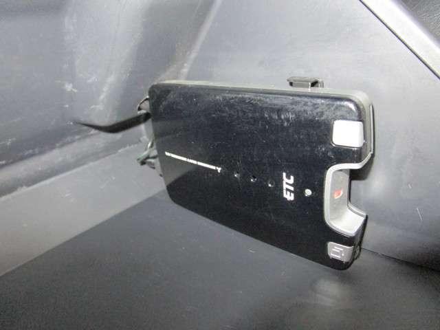 クロスアドベンチャー 660CC 軽自動車 ターボエンジン パ-トタイム4WD メモリーナビ ワンセグTV ハ-フレザーシート(本革調シートカバー) ルーフラック付き 寒冷地仕様 シートヒーター フロアマット ドアバイザー(18枚目)