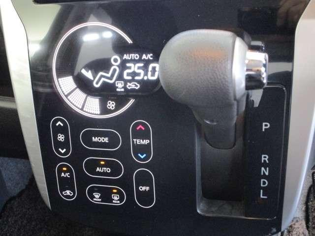 T 2WD/軽/ターボエンジン/純正7インチワイドナビ(ハイスペック)/バックカメラ(ルームミラー)/1オーナー/スマートキー/デイスチャージドヘッドライト&フォグランプ/フロアマット/プライバシーガラス(17枚目)