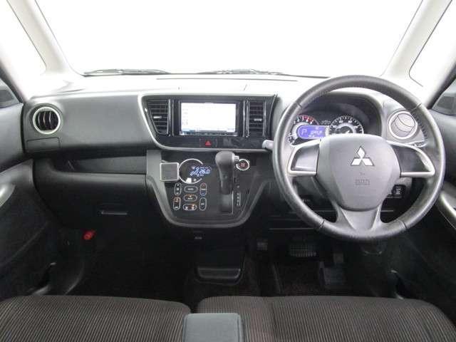 カスタムT 2WD/軽自動車/ターボエンジン/両側パワースライドドア/7インチワイドナビゲーション・バックカメラ/禁煙車/スマートキ/HIDヘッドライト&フォグランプ/車両状態評価書4.5点/プライバシーガラス/(6枚目)