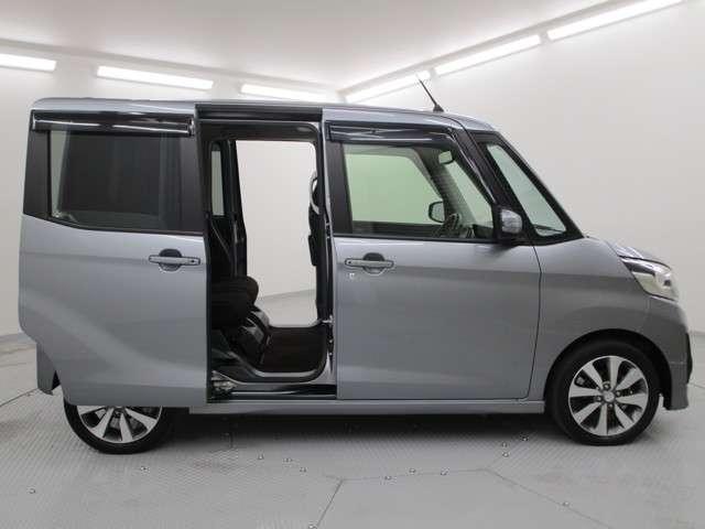 カスタムT 2WD/軽自動車/ターボエンジン/両側パワースライドドア/7インチワイドナビゲーション・バックカメラ/禁煙車/スマートキ/HIDヘッドライト&フォグランプ/車両状態評価書4.5点/プライバシーガラス/(8枚目)