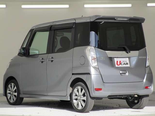 カスタムT 2WD/軽自動車/ターボエンジン/両側パワースライドドア/7インチワイドナビゲーション・バックカメラ/禁煙車/スマートキ/HIDヘッドライト&フォグランプ/車両状態評価書4.5点/プライバシーガラス/(12枚目)