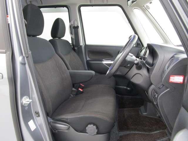カスタムT 2WD/軽自動車/ターボエンジン/両側パワースライドドア/7インチワイドナビゲーション・バックカメラ/禁煙車/スマートキ/HIDヘッドライト&フォグランプ/車両状態評価書4.5点/プライバシーガラス/(18枚目)