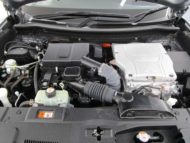 Gナビパッケージ 4WD/AC1500W電源/衝突被害軽減ブレーキ/全方位カメラ/後期モデル/レーダークルコン/三菱リモートコントロール/駆動用バッテリー79%/車両状態評価書4.5点/運パワーシート/電動リヤゲート(20枚目)