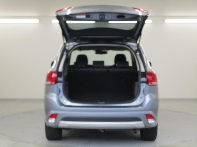 Gナビパッケージ 4WD/AC1500W電源/衝突被害軽減ブレーキ/全方位カメラ/後期モデル/レーダークルコン/三菱リモートコントロール/駆動用バッテリー79%/車両状態評価書4.5点/運パワーシート/電動リヤゲート(24枚目)