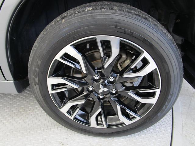 Gナビパッケージ 4WD/AC1500W電源/衝突被害軽減ブレーキ/全方位カメラ/後期モデル/レーダークルコン/三菱リモートコントロール/駆動用バッテリー79%/車両状態評価書4.5点/運パワーシート/電動リヤゲート(61枚目)