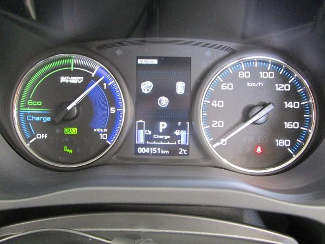 G 4WD試乗車/7.7型クラリオンナビ/後側方車両検知警報・レーンチェンジアシスト・後退時車両検知警報/AC100V電源1500W/禁煙/三菱リモートコントロール/残存率107%/車両状態評価書4.5点(47枚目)
