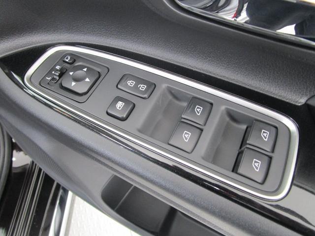 G 4WD試乗車/7.7型クラリオンナビ/後側方車両検知警報・レーンチェンジアシスト・後退時車両検知警報/AC100V電源1500W/禁煙/三菱リモートコントロール/残存率107%/車両状態評価書4.5点(54枚目)