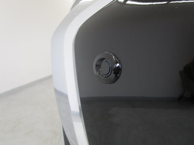 G 4WD試乗車/7.7型クラリオンナビ/後側方車両検知警報・レーンチェンジアシスト・後退時車両検知警報/AC100V電源1500W/禁煙/三菱リモートコントロール/残存率107%/車両状態評価書4.5点(58枚目)