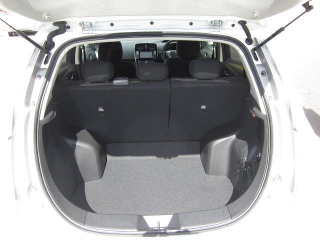 日産 リーフ X (30kwh)当社試乗車