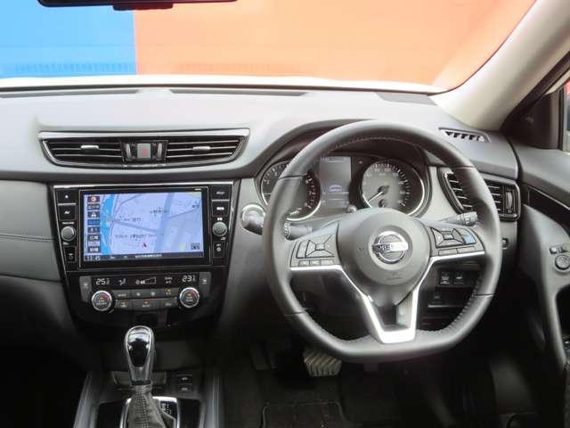 2.0 20Xi ハイブリッド レザーエディション 4WD 当社 元試乗車(3枚目)