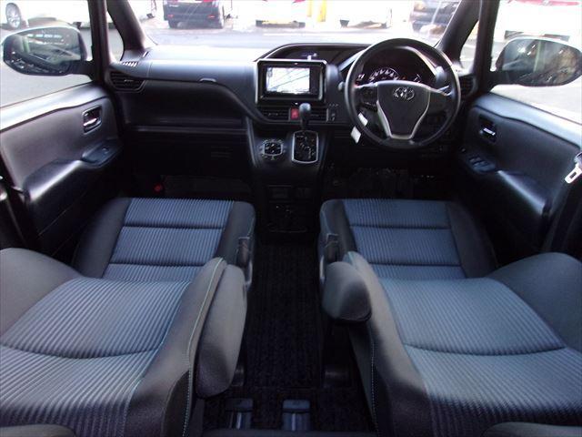 トヨタ ヴォクシー ZS 煌 HDDナビ 両側電動スライドドア 後席モニター