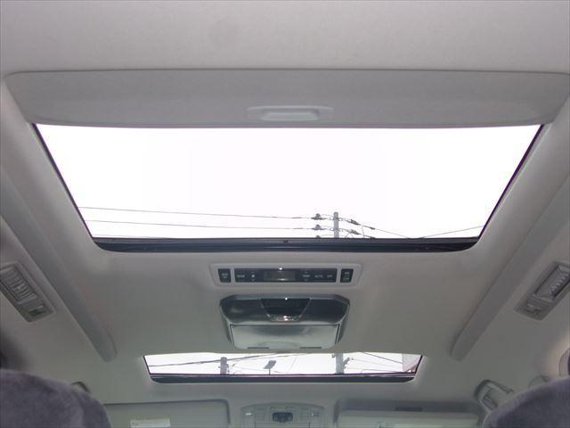トヨタ ヴェルファイア 2.4Z プラチナムセレクション サンルーフ 後席モニター