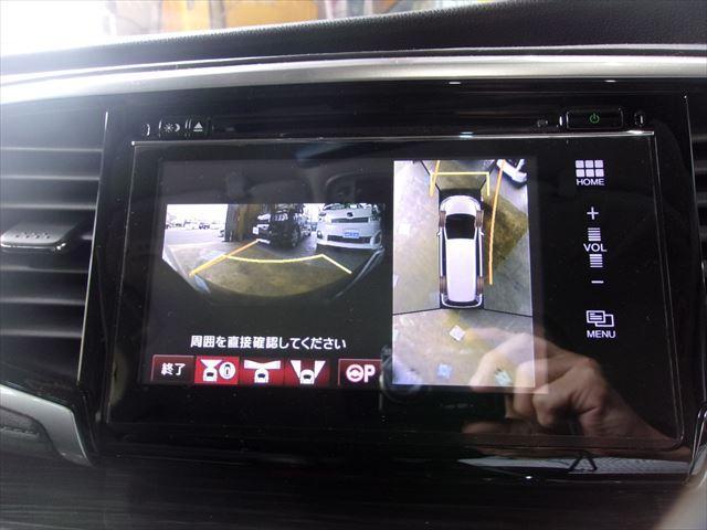話題の全周囲カメラ搭載車両です。自車の周囲を真上から確認しているように見えるので狭い駐車場や縦列駐車も簡単に出来て、車庫入れの苦手な方も自身が付きますヨ♪