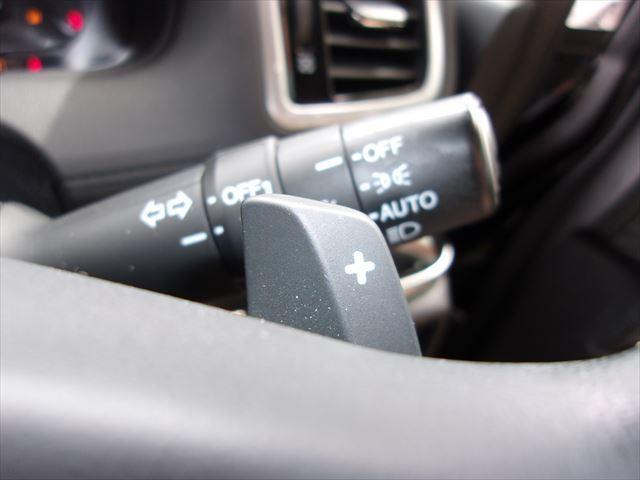 ハンドル操作をしながらギアの切り替えが出来る安心サポート装備です♪