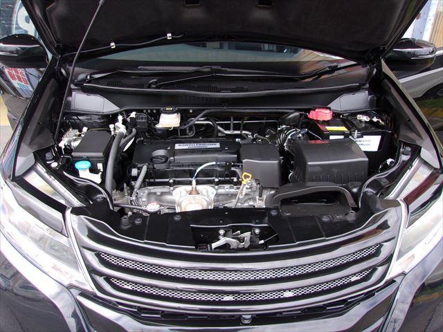 エンジンルームまでクリーニングが行き届いてるので気持ち良く快適なドライブをお楽しみ下さい!