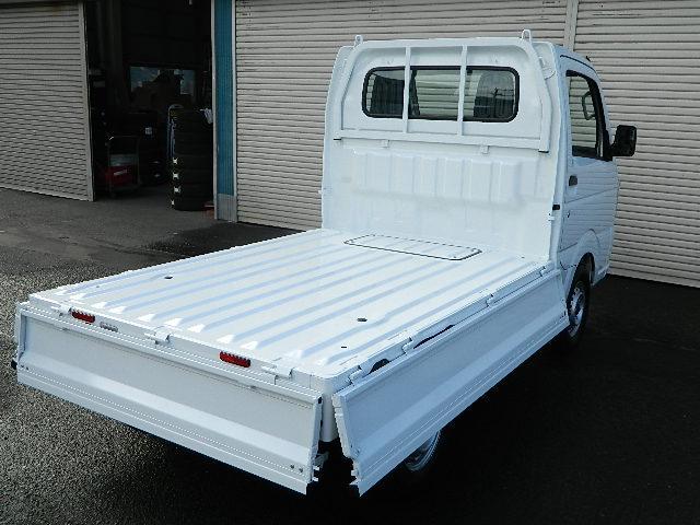 KC 届出済未使用車 エアコン パワステ付 4WD ラジオ付(9枚目)