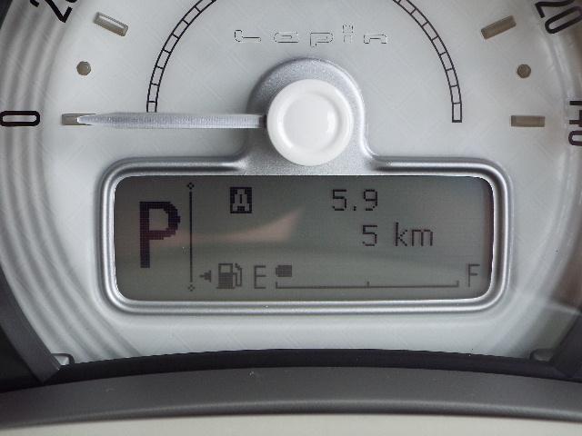 メーターには瞬間・平均燃費が表示されますので常にエコドライブが心がけ出来ます!便利な収納スペースもたっぷり!
