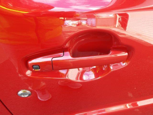 便利なリモコンキー付き!リモコンキーをお持ちであればボタン1つでエンジンの始動・停止や鍵の開け閉めが簡単にできます!