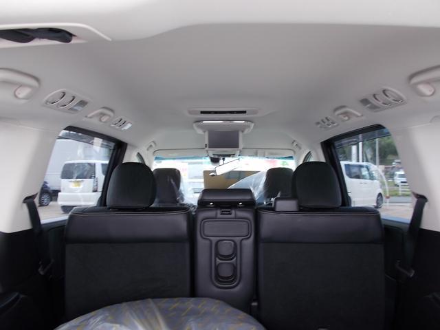 アブソルート 純正インターナビTV リアカメラ LEDヘッドライト フォグライト 後席モニター 両側パワースライドドア スマートキー 純正17インチアルミホイル 4WD(16枚目)