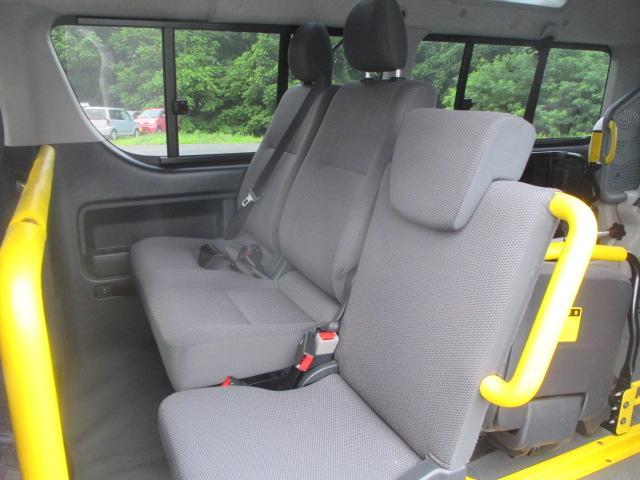 トヨタ ハイエースバン ウェルキャブ Bロング Rウィンドウ 4WD
