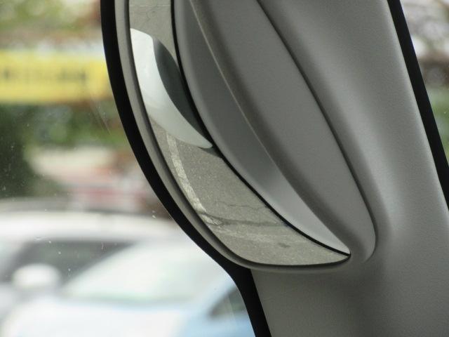 ハイブリッドG 4WD 届出済未使用車 スズキセーフティサポート 全方位モニター用カメラパッケージ ヘッドアップディスプレイ プッシュスタート クリアランスソナー オートライト スペアキー 電動格納ミラー(30枚目)