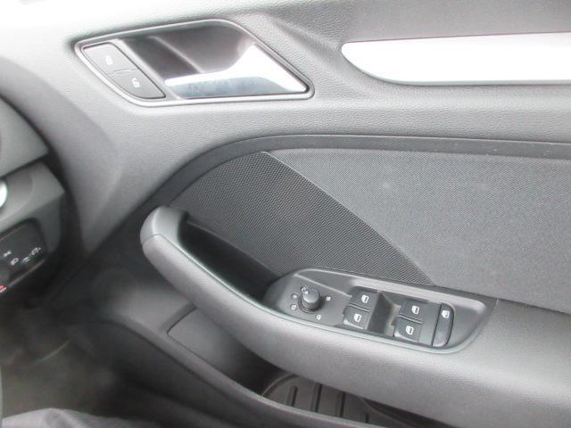 スポーツバック1.4TFSI 純正ナビ フルセグTV Bluetooth バックカメラ HIDライト クルーズコントロール プッシュスタート ステアリングスイッチ コーナーセンサー スタッドレス&アルミ有(27枚目)