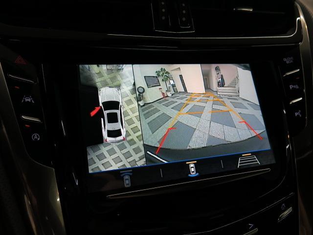 安全快適装置では、フルエアバッグや車両安定性制御システムはもとより、縦列駐車・並列駐車を自動で行うオートマチックパーキングアシスト、