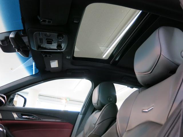 シートを振動させて警告するセーフティアラートドライバーシート(警告振動機能付)、フォワードコリジョンアラート(前方衝突事前警告機能)、