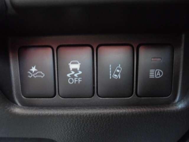 エマージェンシーブレーキ搭載!多彩な先進安全装備で安心ドライブをサポート♪