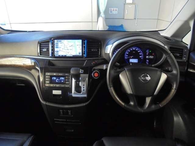 シートにあわせて内装もブラックで、運転のワクワク感があります