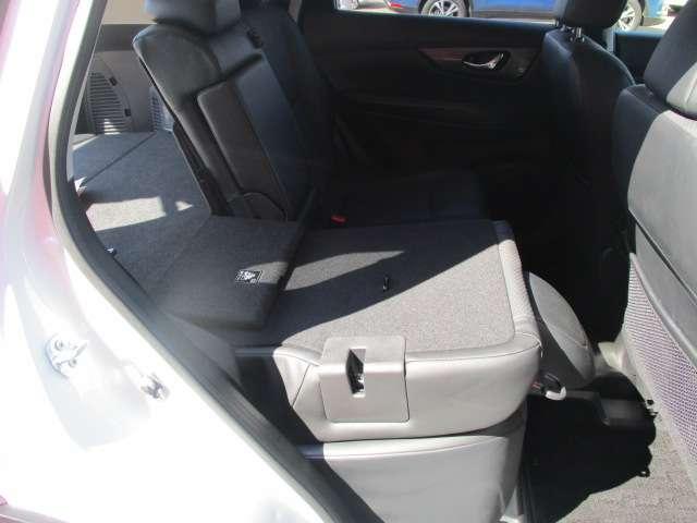 2.0 20X ハイブリッド エマージェンシーブレーキパッケージ 4WD メーカーナビ オートバックドア(15枚目)