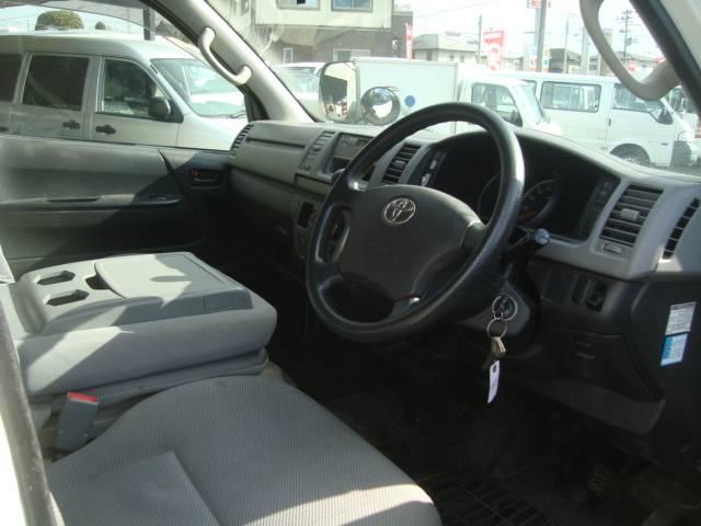 トヨタ ハイエースバン ロングDX 5D ディーゼル 4WD 3000cc